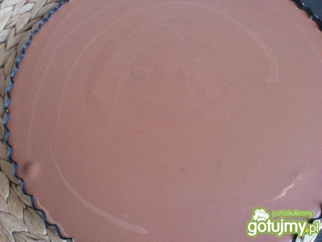 Tarta z czekoladowym musem i owocami
