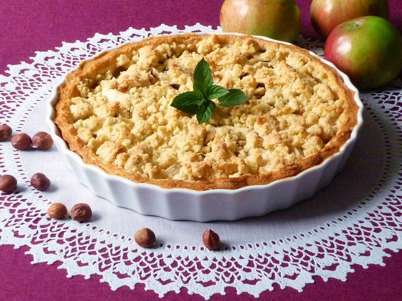 Tarta z jabłkami i konfiturą z płatków róży