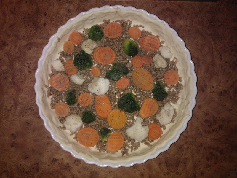 Tarta z mięsem mielonym i warzywami