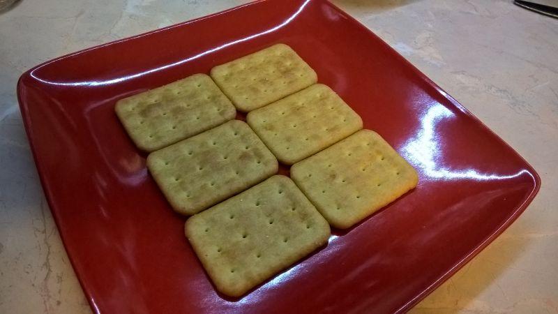 Torcik sałatkowy na krakersach