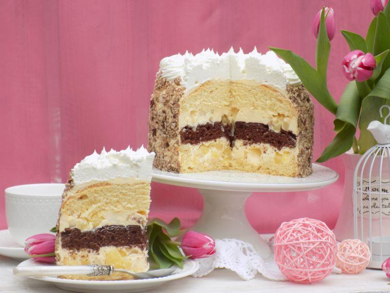 Tort biszkoptowy z krem budyniowym i ananasem