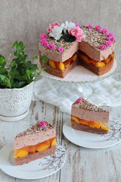 Tort brzoskwiniowy z musem czekoladowym