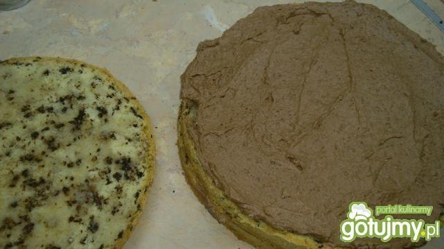 Tort czekoladowy w piegi