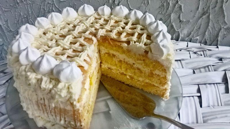 Tort dyniowo - śmietanowy