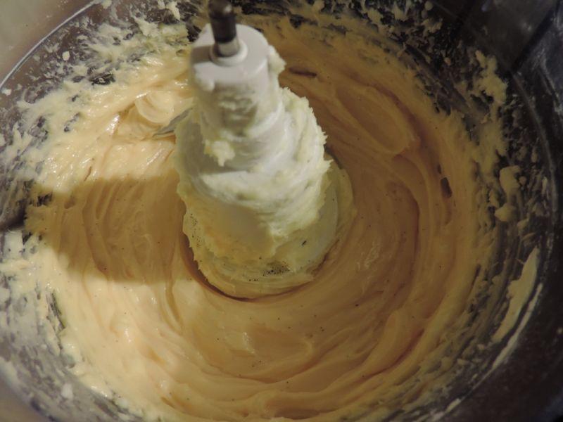 Tort gryczany z powidłami śliwkowymi