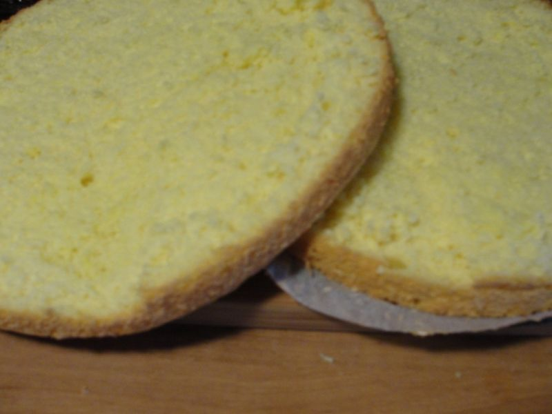 Tort z kremem adwokatowym