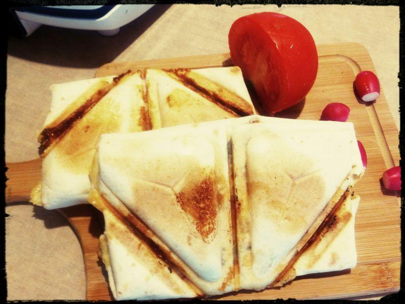 Tortilla z kurczakiem z tostera