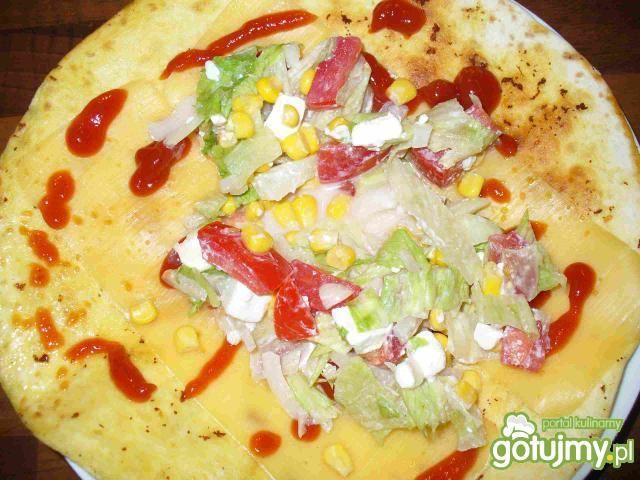 Tortilla z serem i kurczakiem