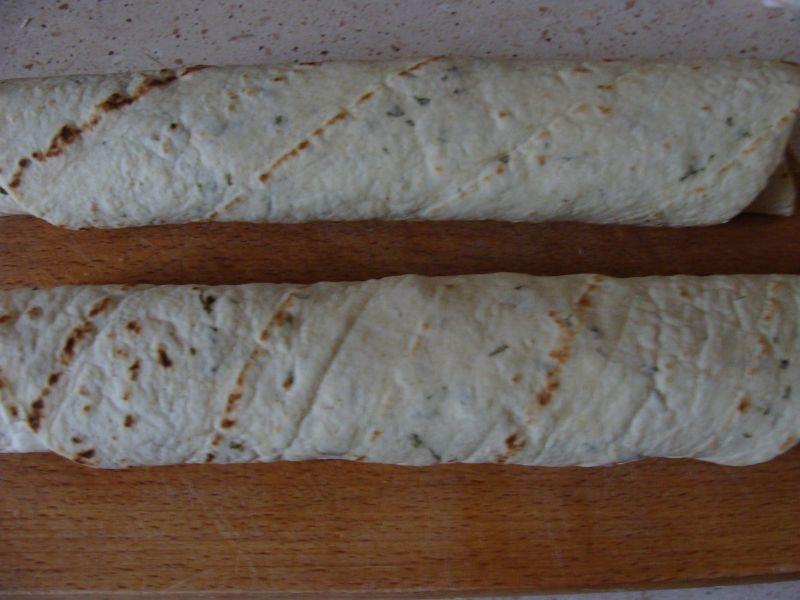 Tortilla z serem i szynką