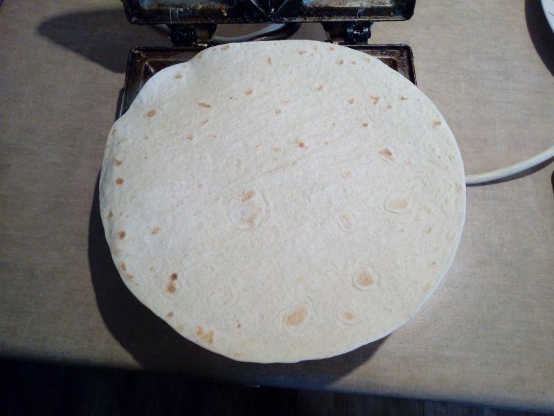 Tosty z tortilli z rzeżuchą