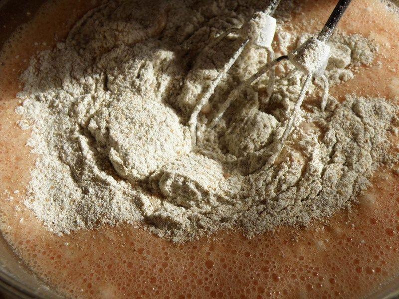 Truskawkowe ciasto ucierane z gruszkami.