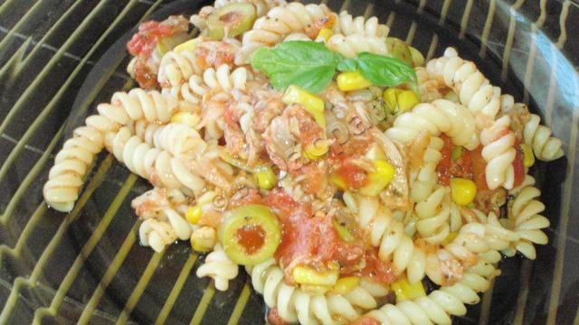 Tuńczyk pomidorowy ze świderkami