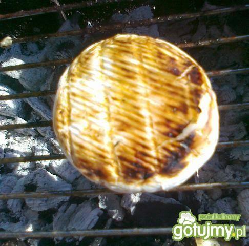 Turek pleśniowy z grilla z czosnkiem
