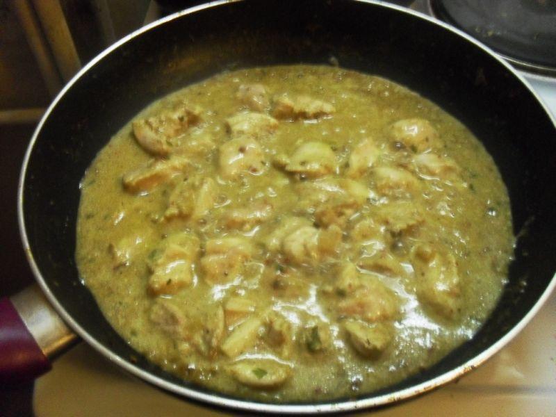 Udka kurczaka w sosie curry