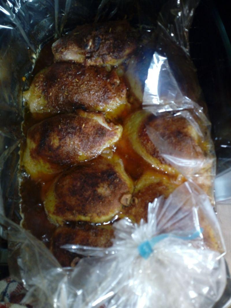 Udka z kurczaka pieczone na warzywach