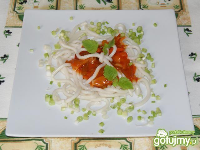 Udon z słodko-kwaśnym sosem :