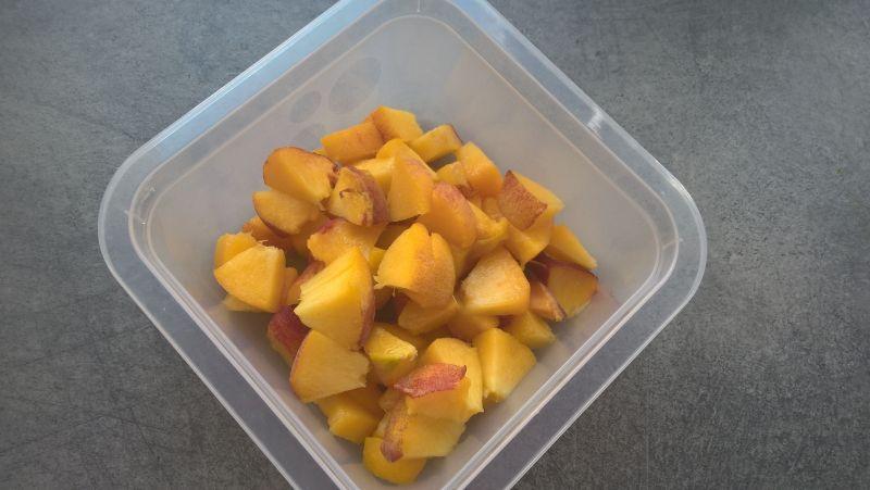 Waniliowa kasza manna z brzoskwiniami
