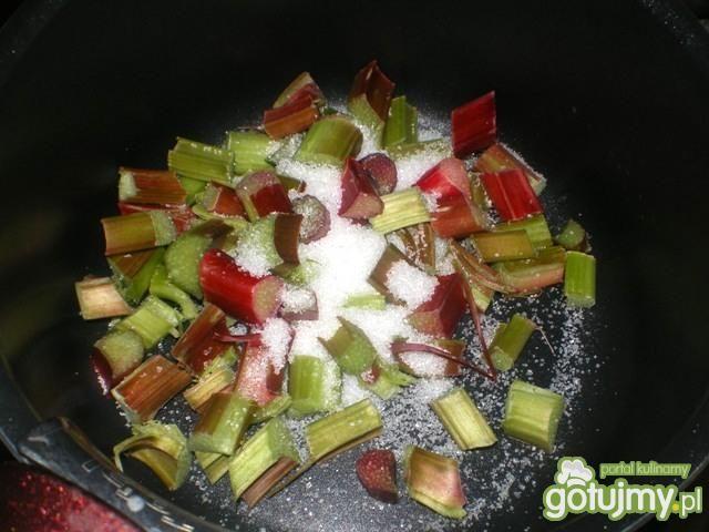 Waniliowy ryż z rabarbarem i malinami