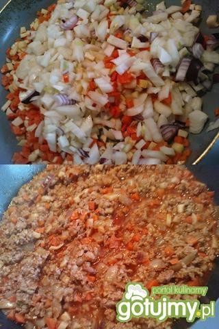 Warstwowa zapiekanka mięsno-ziemniaczana