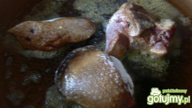 Wątróbka z gęsi z cebulką smażoną