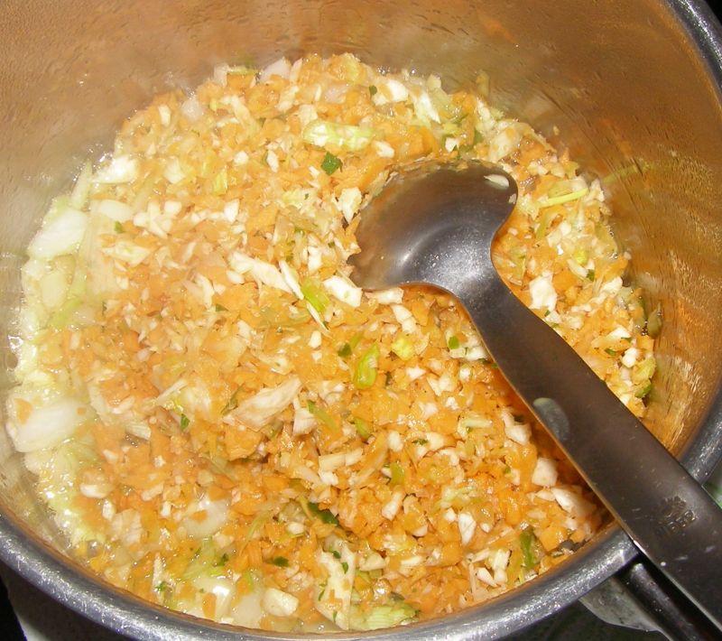 Wątróbka z kurczaka w warzywach na obiad