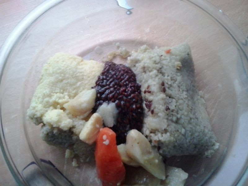Wegańskie gołąbki z kaszą  i warzywami