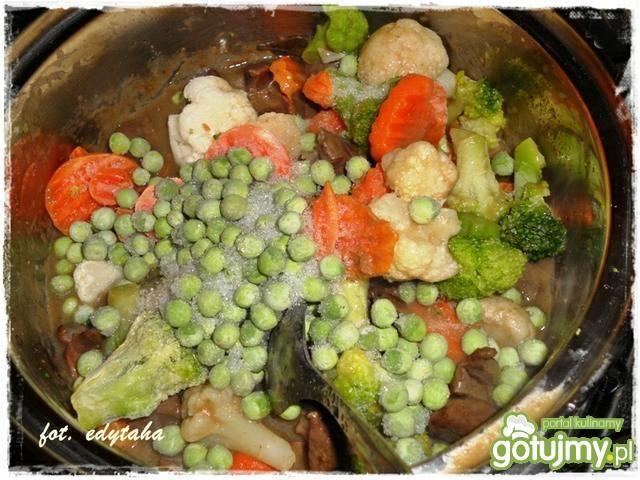 Wieprzowe serca w warzywach