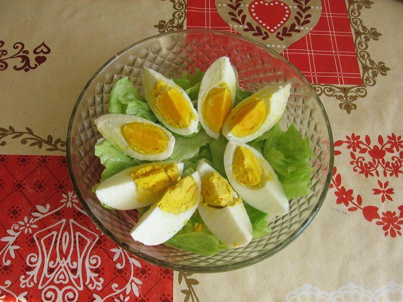 Wiosenna sałatka z botwinki
