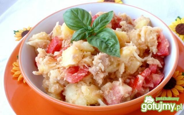 Włoska sałatka warzywna z tuńczykiem