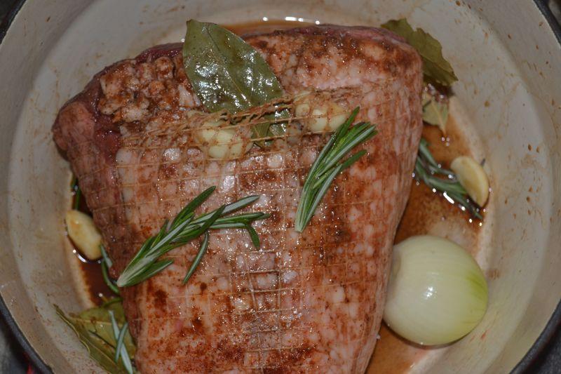 Wołowina z sosem jeżynowym