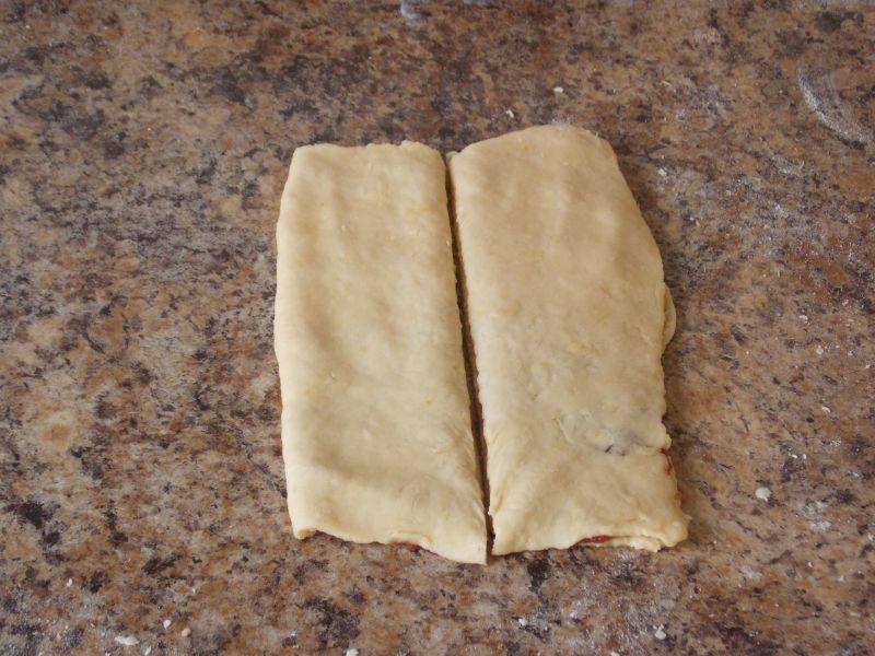 Zakręcone drożdżówki z serem i marmoladą