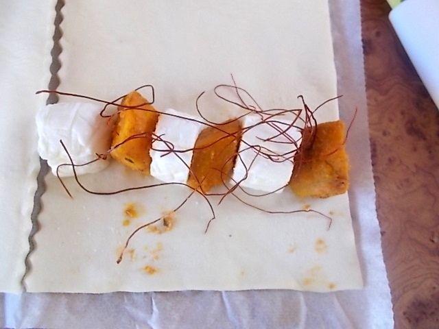 Zapiekana newella z dynią i nitkami chilli