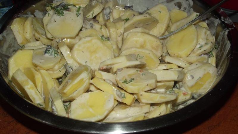 Zapiekane plastry ziemniaków z podgrzybkami