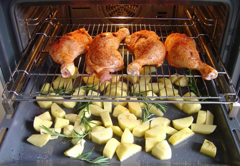 Zapiekane udka z kurczaka z warzywami