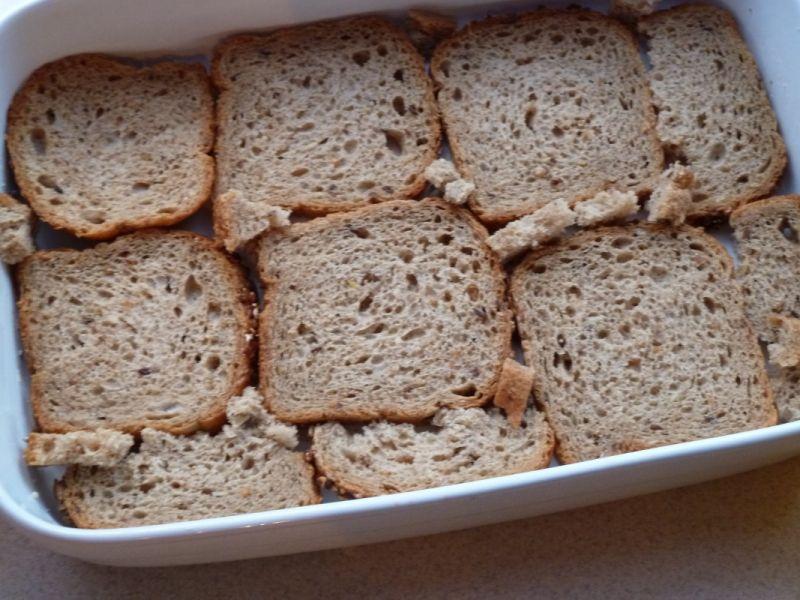 Zapiekanka chlebowa pt. Nic się nie może zmarnować