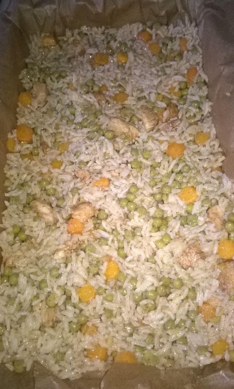 Zapiekanka ryżowa z kalafiorem i mięsem drobiowym