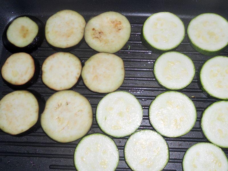 Zapiekanka warzywna z rozmarynem