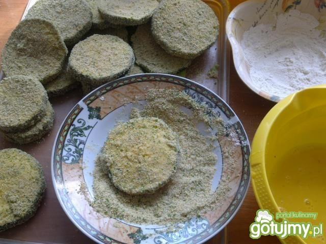 Zapiekanka z kotletów z cukinii