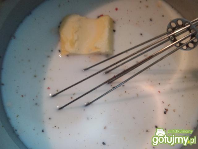 Zapiekanka z liśćmi rzodkiewki
