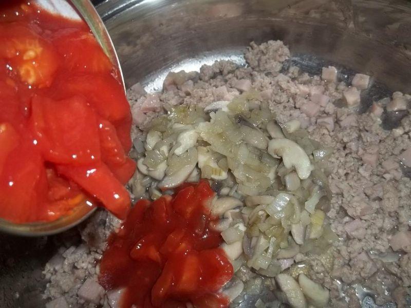 Zapiekanka z makaronem i pieczarkami