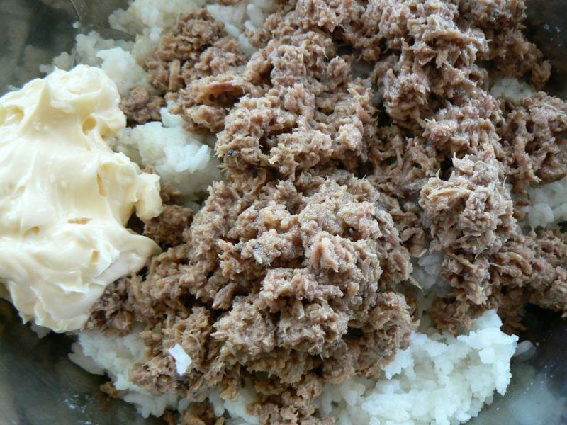 Zapiekanka z tuńczykiem i ryżem