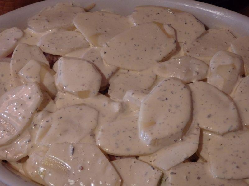 Zapiekanka ziemniaczana z kiełbasą