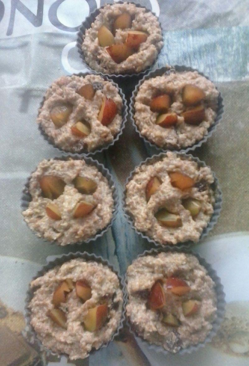 Zdrowe muffiny z miodem i śliwką