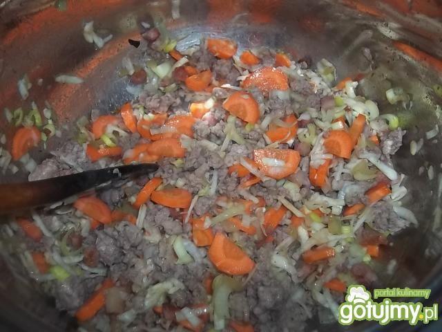 Zielona grochówka z mięsem