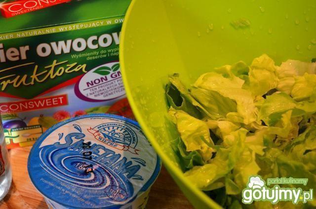 Zielona sałata lekko kwaśna