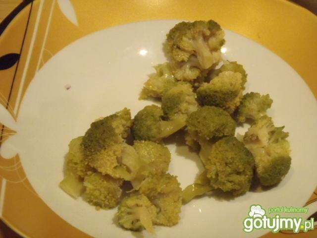Zielona sałatka z sezamem