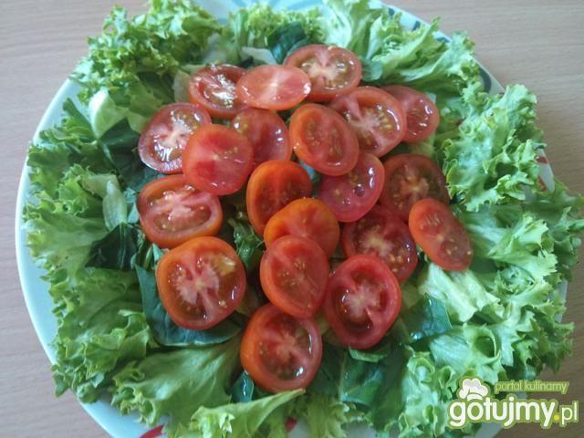 Zielone z pomidorkami i mozzarellą
