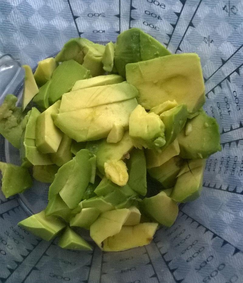 Zielony deserek z gruszką z kompotu