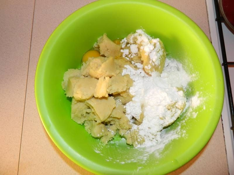Ziemniaczane knedle z truskawkami
