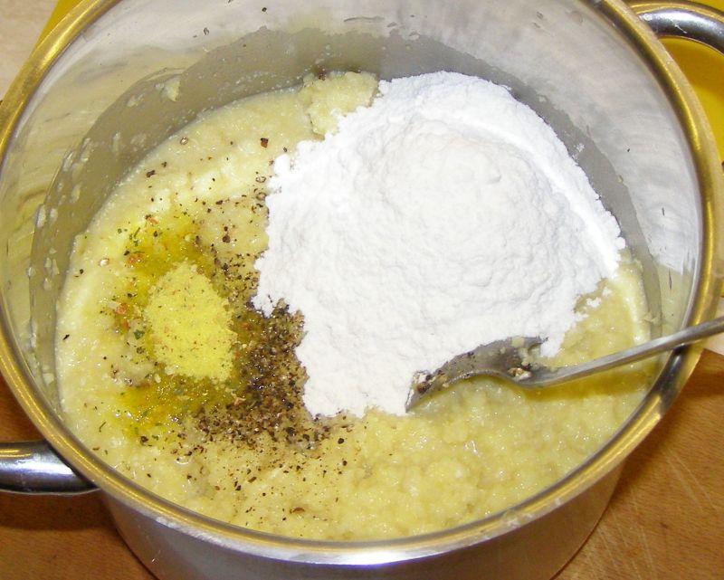 Ziemniaczane placki z mozzarellą